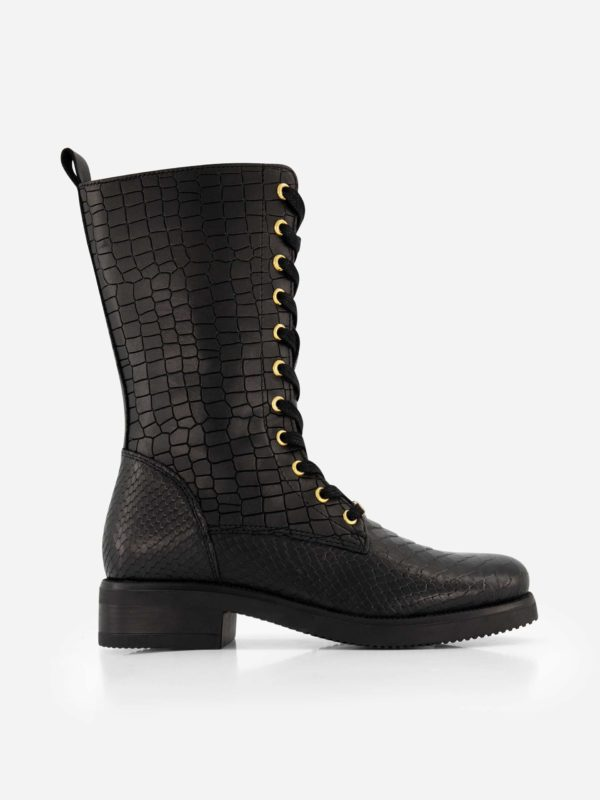 Nikkie boots devi